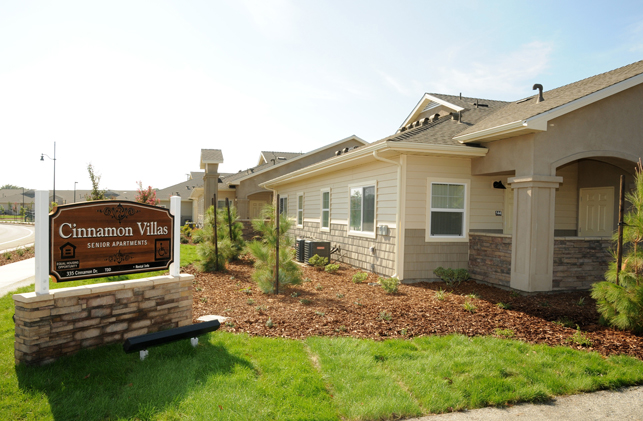 Lemoore Apartments Cinnamon Villas Affordable Housing